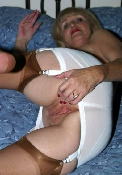 76yr old granny anke seduce to fuck by 18yr old boy in ass 7