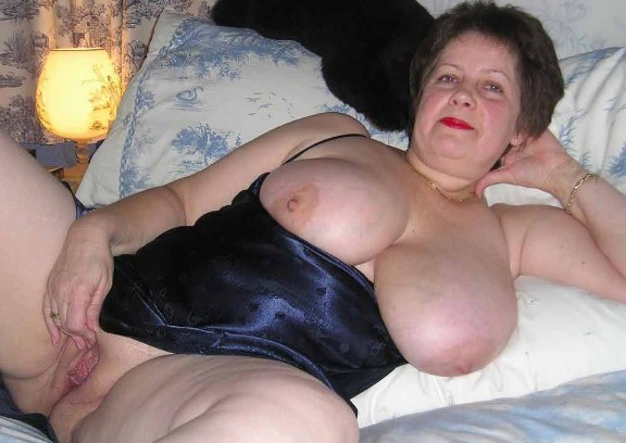 Lovely bbw with big tits and big cunt