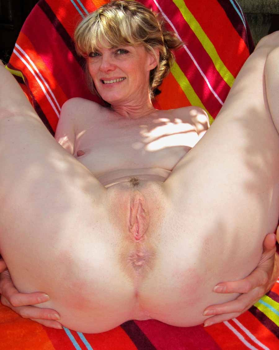 Clit lady mature