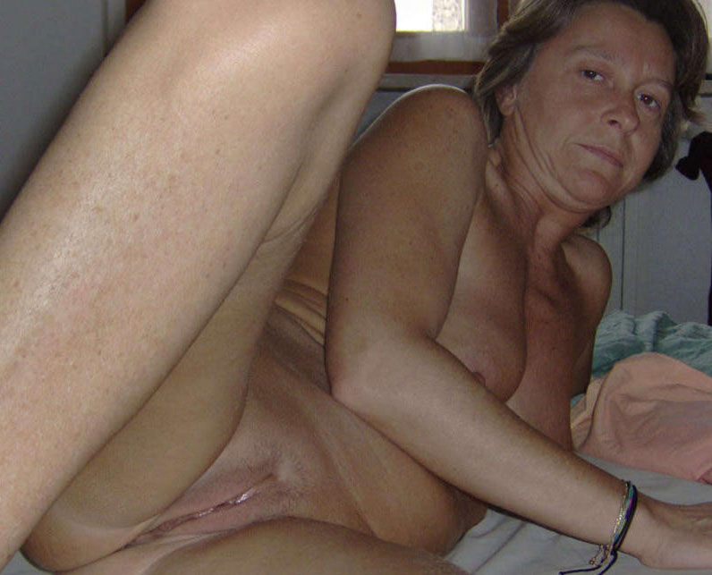 Spread ass anal creampie