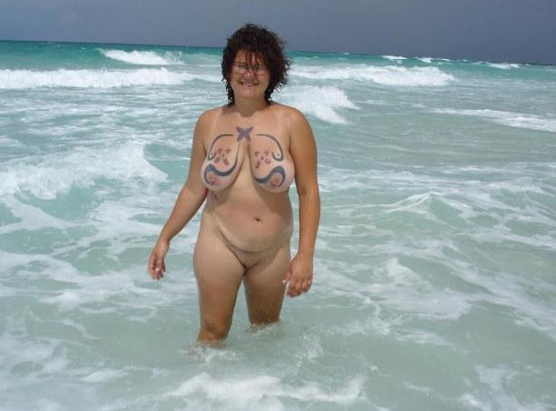 Mature Outdoor Sex*: www.sexsitejunkie.com/granny/11024-2302/28.html