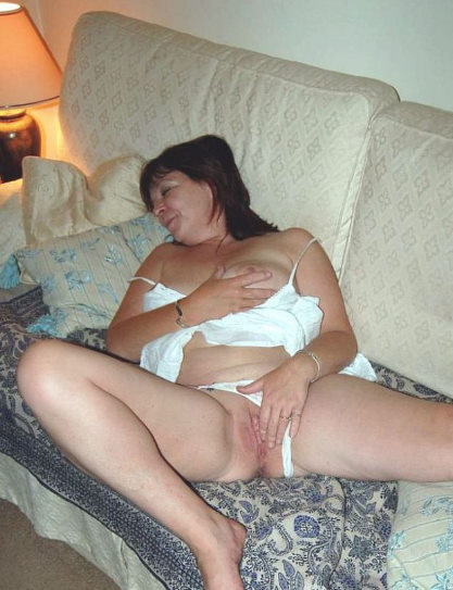 Mature brunette photo gallery free