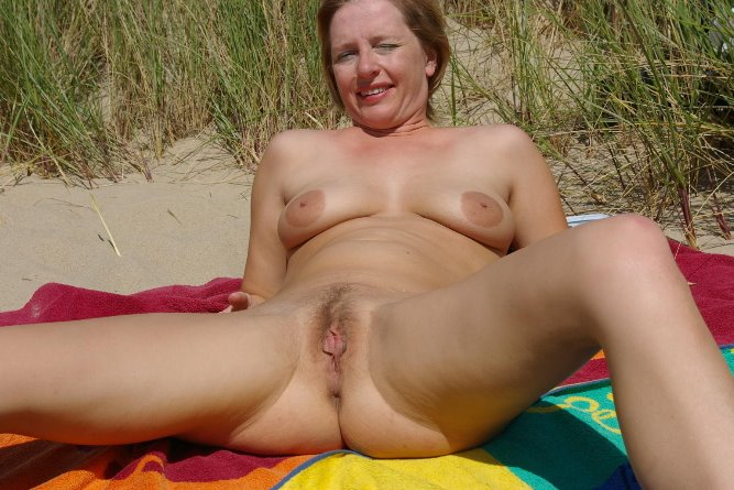 порно фото на пляже зрелые
