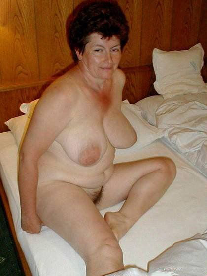 Caught my beautiful mom taking shower hidden cam