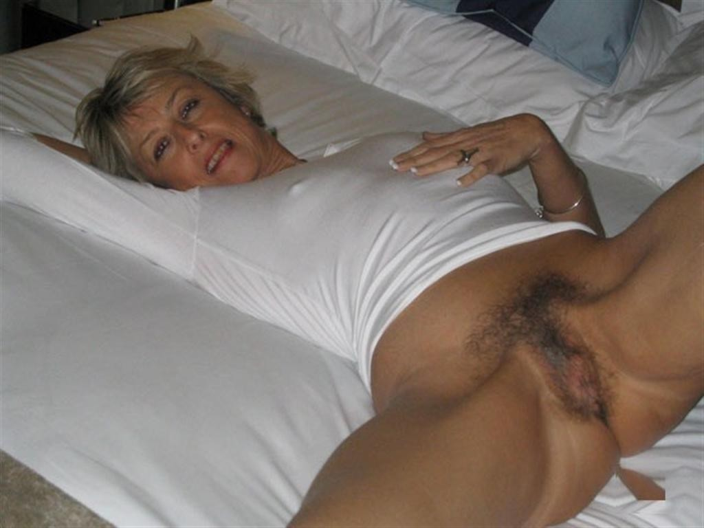 sexy older lady porn photo