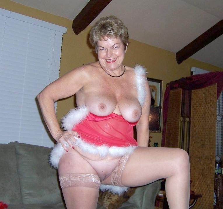 wonder woman nude in photo comic