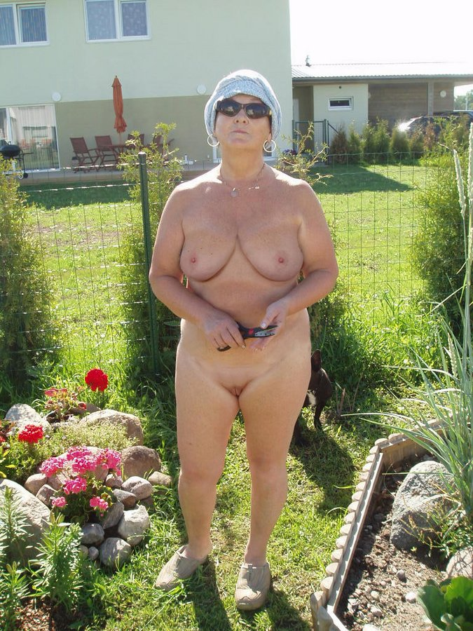 Naked granny outside pics well told