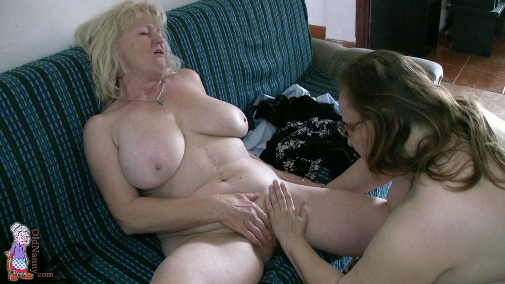 pictures nude average looking women