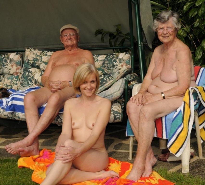 Порно фото нудистов семейных 65839 фотография