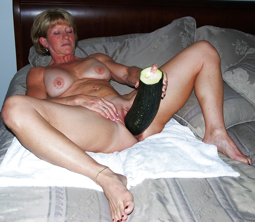 Dirty talking milf giving handjob