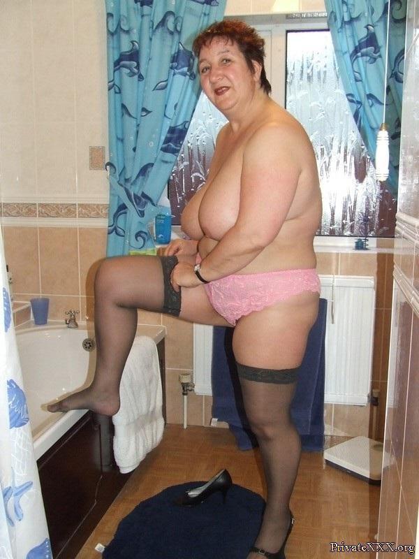 Amateur granny blowjob and teen socks 6