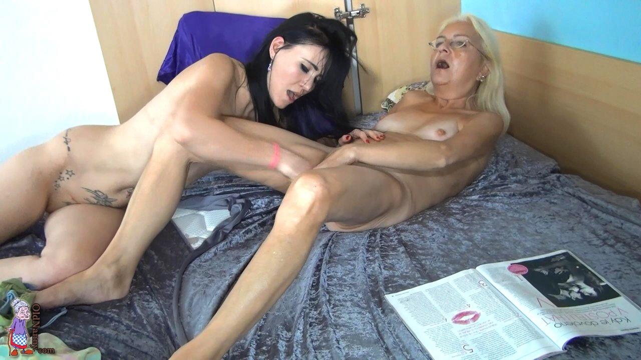 amateur dominatrix milf nude